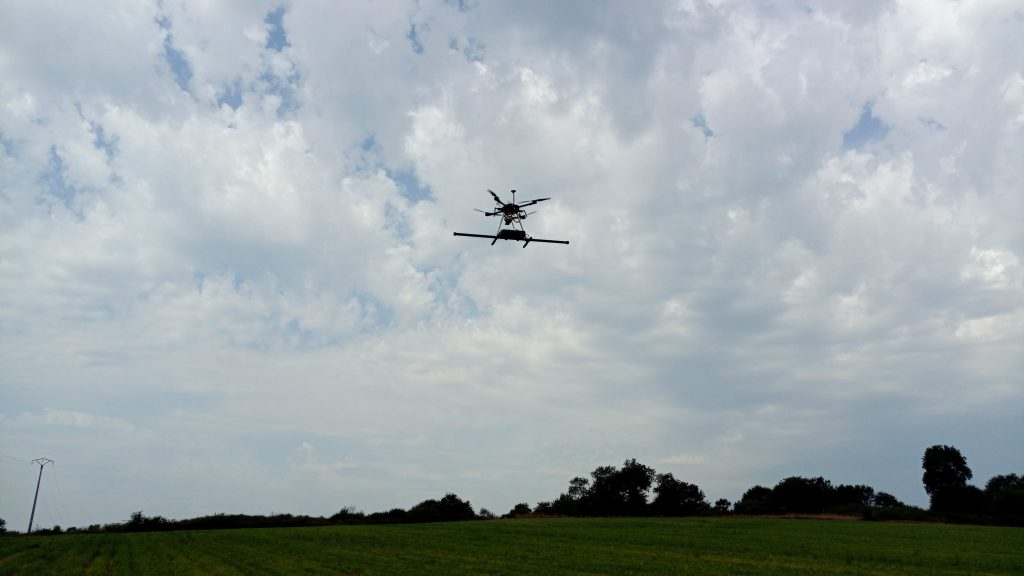 The X500 Alfonce in flight with a stereo magnetometer